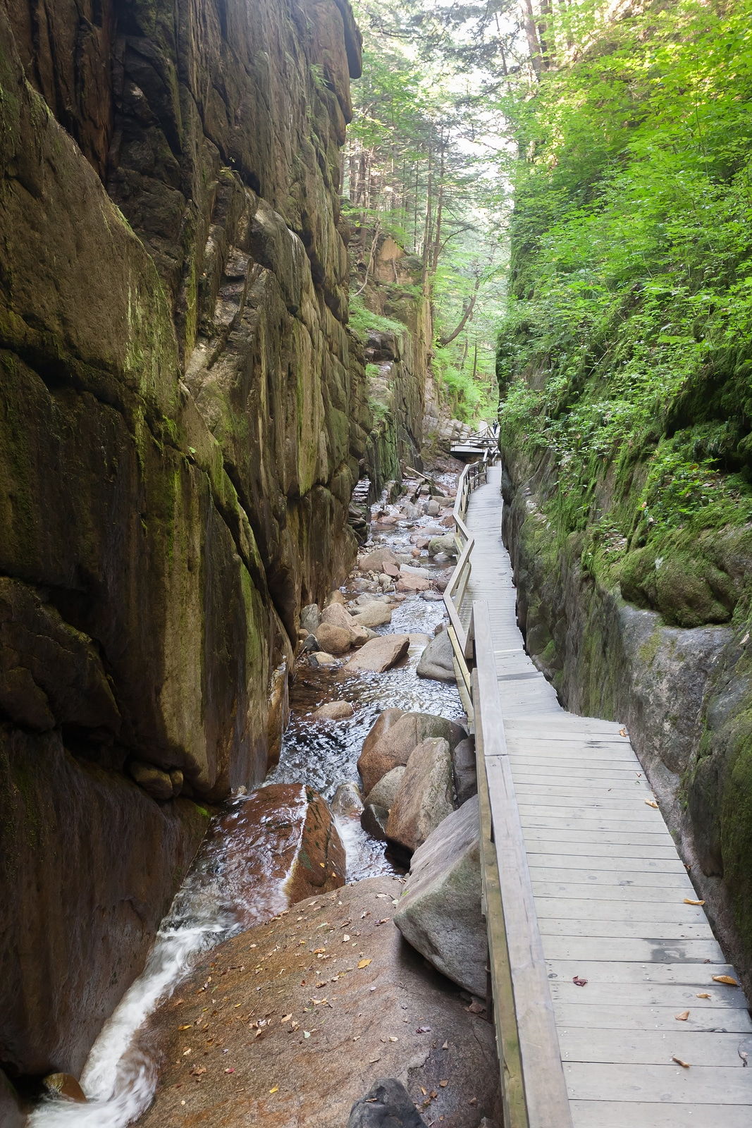 Your Guide To The Beautiful Franconia Notch State Park In